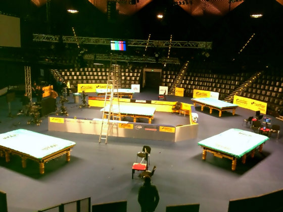 The unique set-up at the Tempodrom (photo thanks to Ken Doherty)