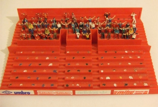 Ian Smith's shrine. He is obviously a fan of the Chinese events as this crowd are all sitting at the top.